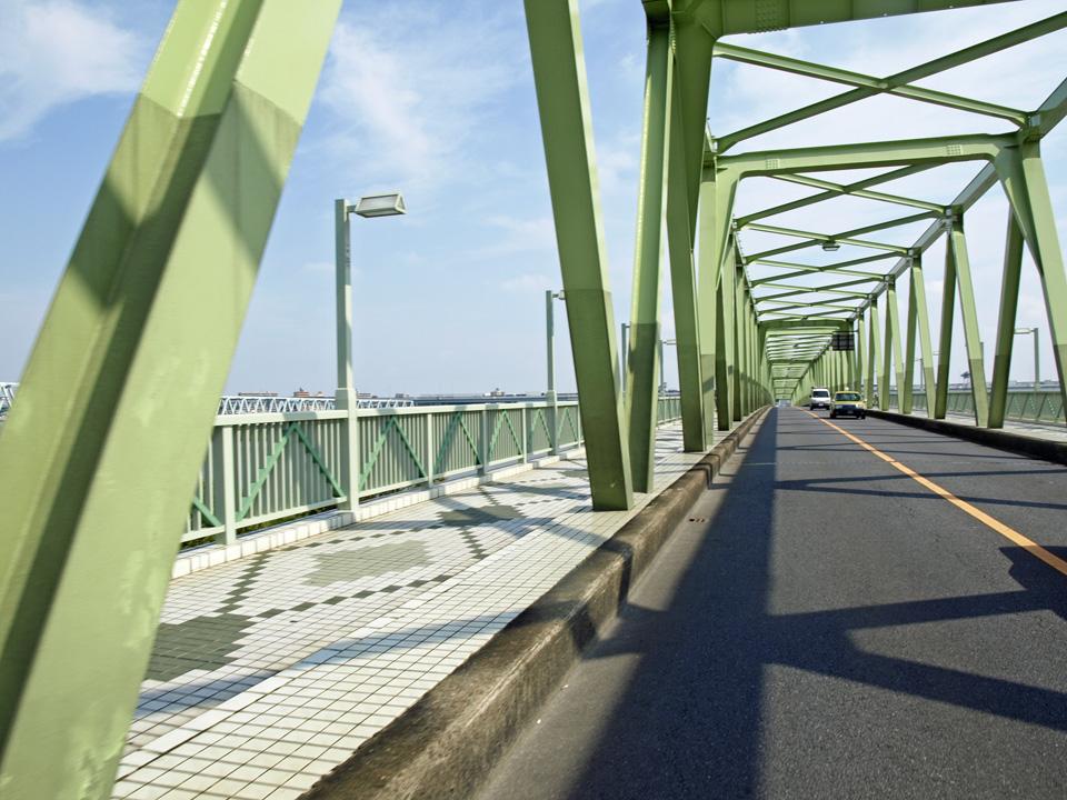 木根川橋で荒川を渡河