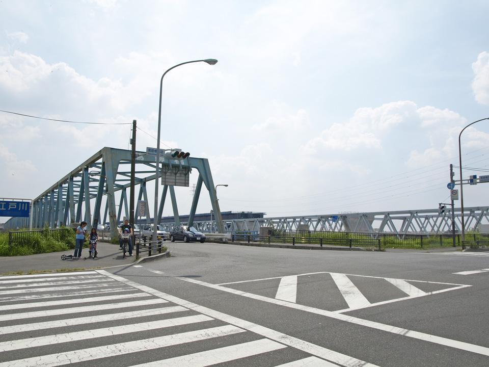 葛飾橋で江戸川を渡り松戸市へ