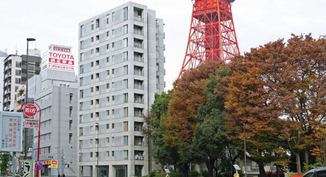 東京タワーに見守られながら集団走行を続けます