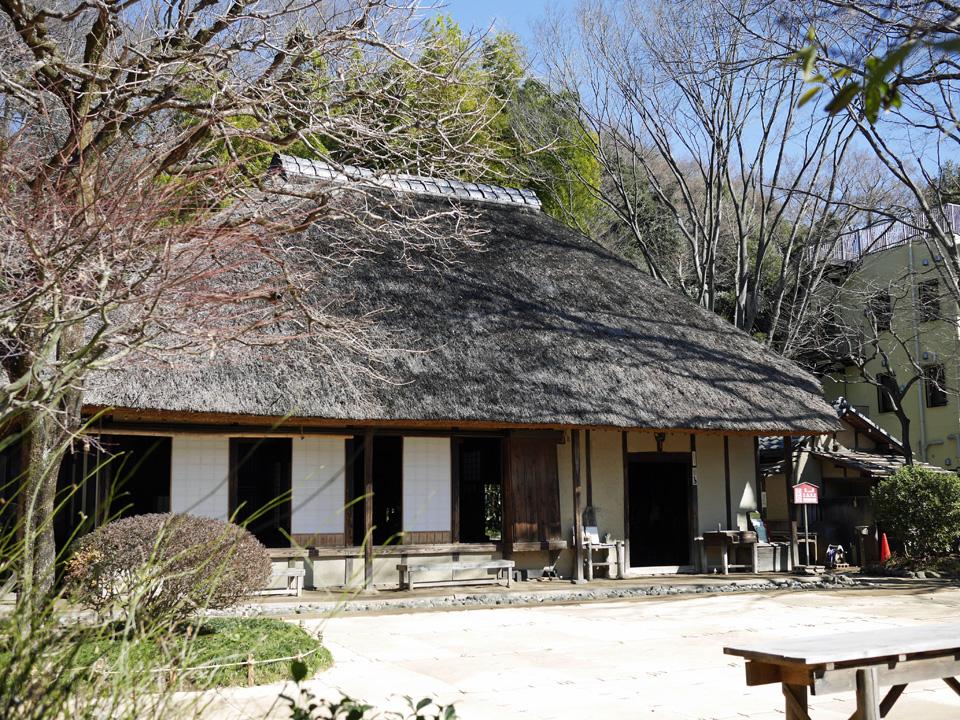 岡本公園に復元された農家(旧長崎家住宅主屋)