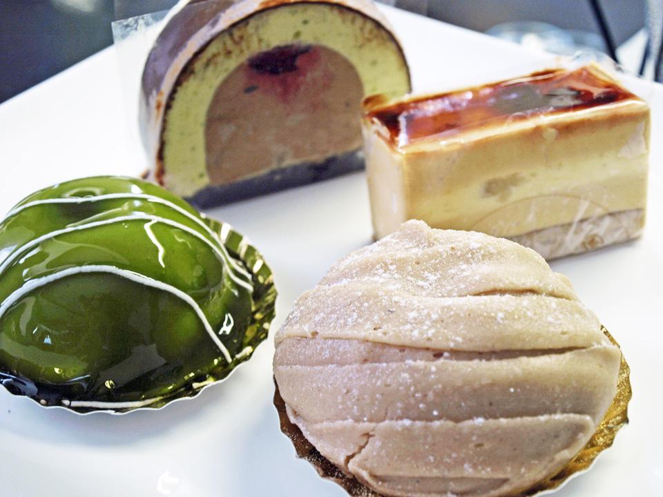 バースデーにイナムラショウゾウのケーキ