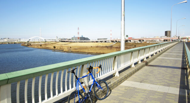 扇大橋を渡って荒川東岸へ