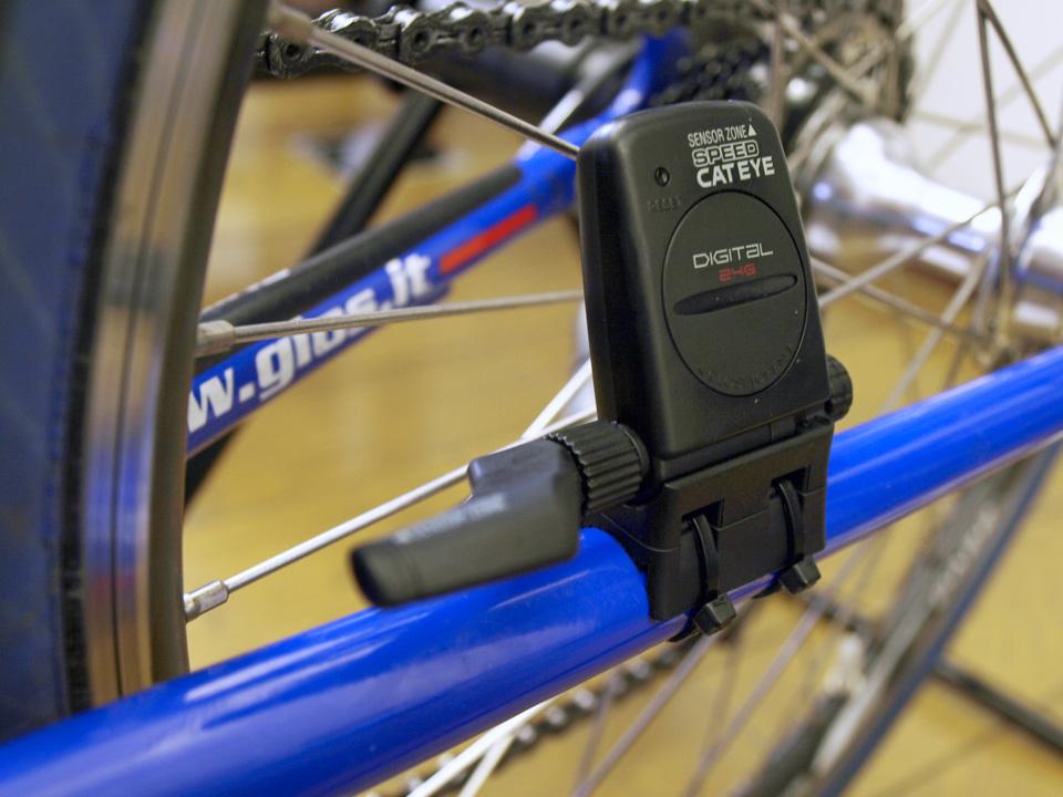 CC-TR200DWのセンサーは大きい