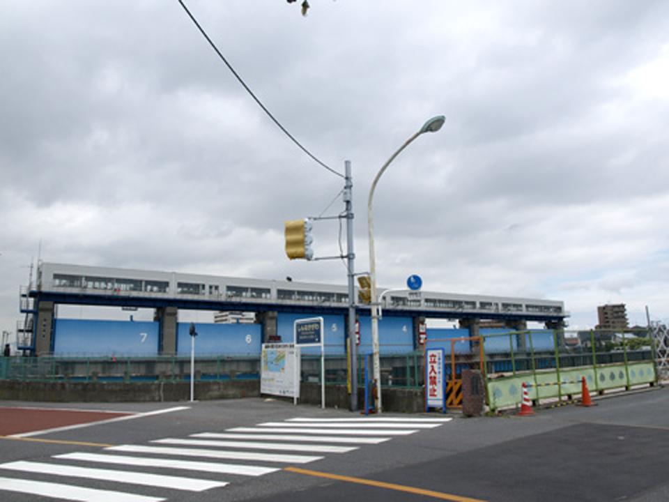 今井水門手前の瑞穂大橋を渡ります