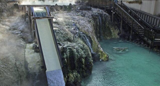 草津温泉 湯畑の滝