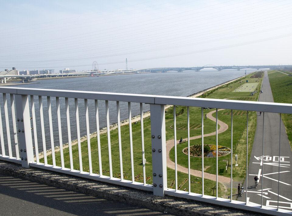 清砂大橋を渡ると葛西の観覧車が見えてきた