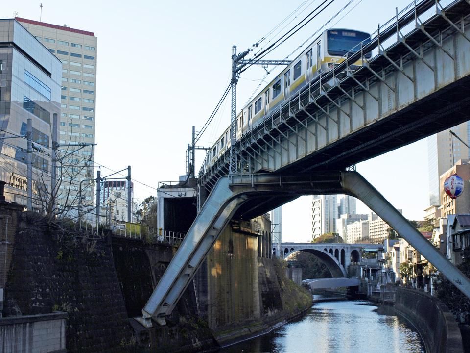 昌平橋からお茶の水を臨む