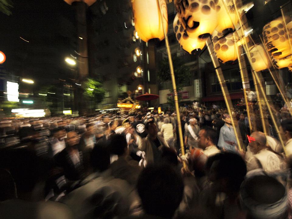 鳥越祭の高張提燈