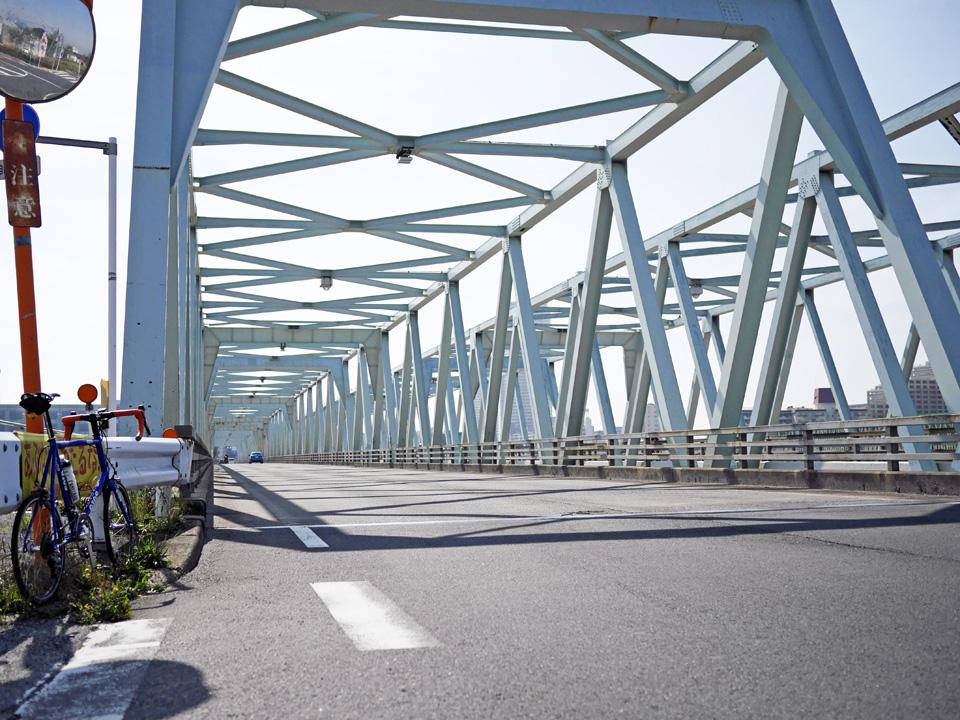 市川橋で江戸川を渡る GIOS FELUCA