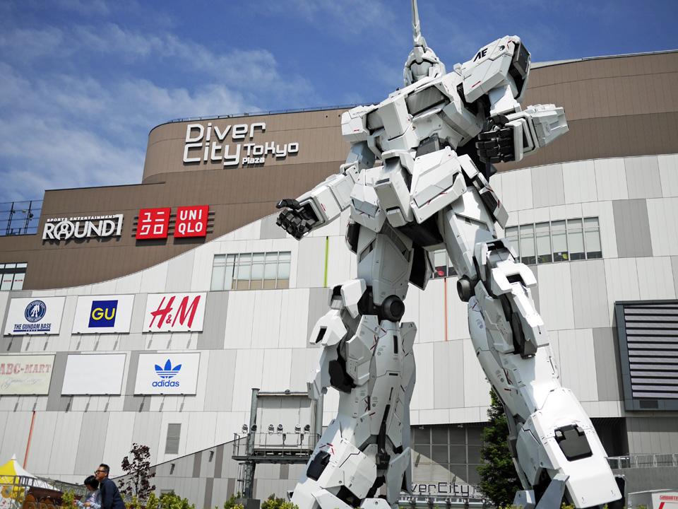 ダイバーシティ東京のユニコーンガンダムとご対面