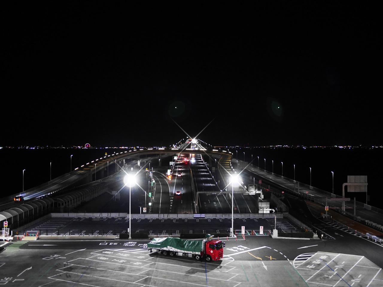 海ほたるから眺める木更津の夜景