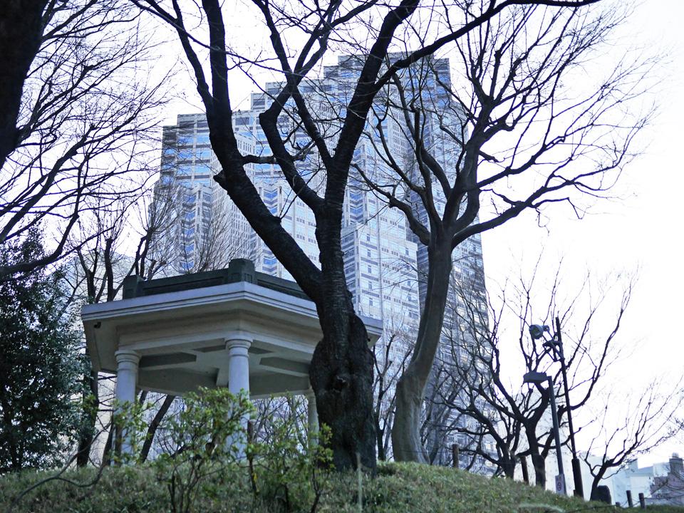 新宿中央公園に残る旧淀橋浄水場六角堂