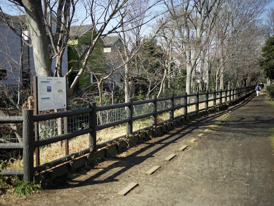 旧牟礼橋(どんどん橋)から上流はダート