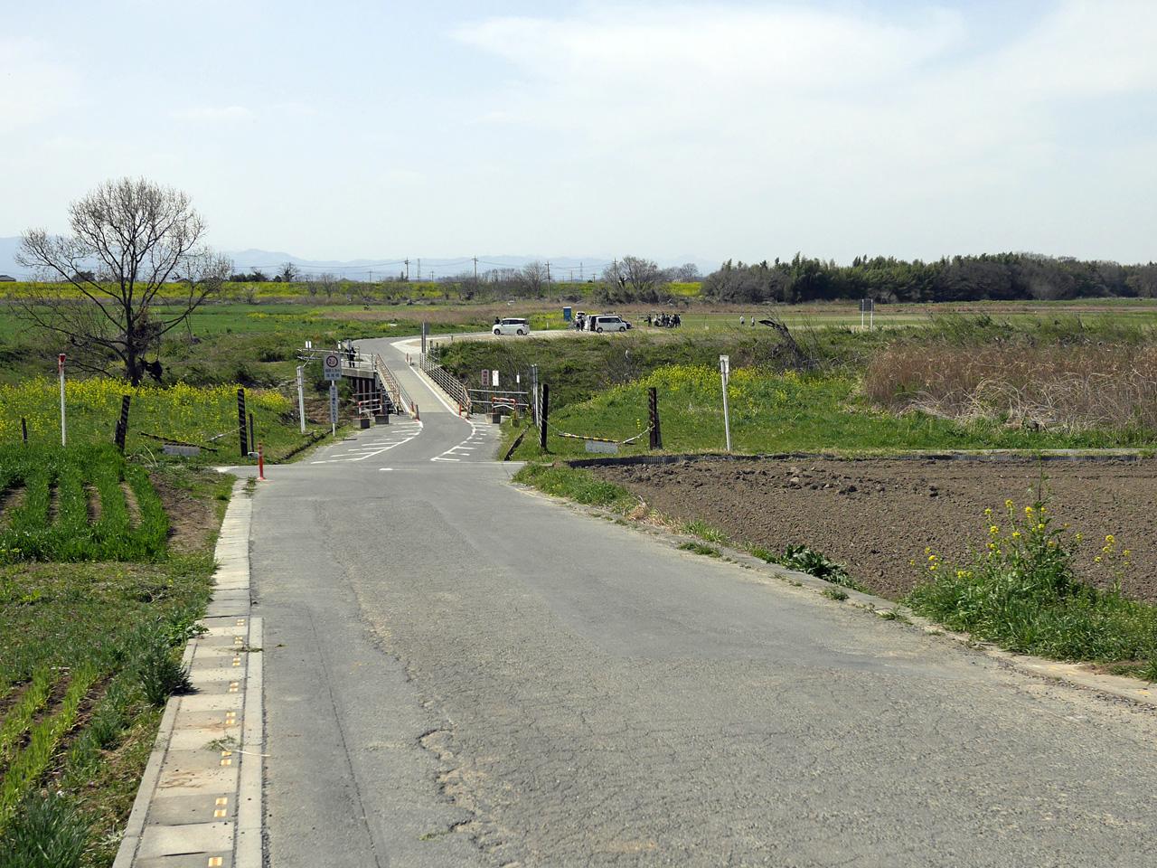 高尾橋を渡って荒川の右岸へ渡る