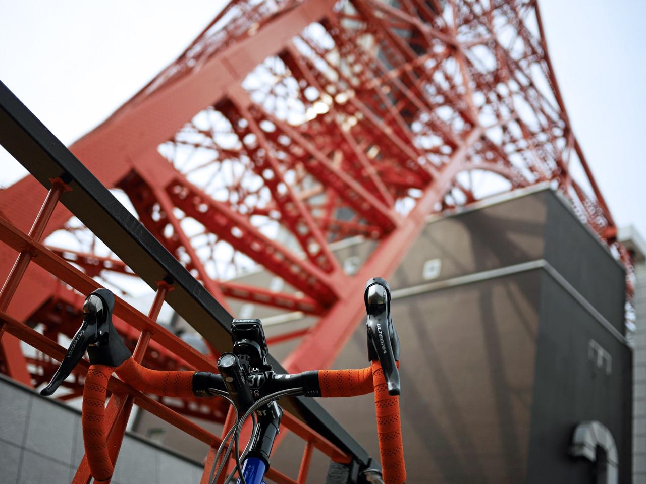 東京タワーの足元で GIOS FELUCA