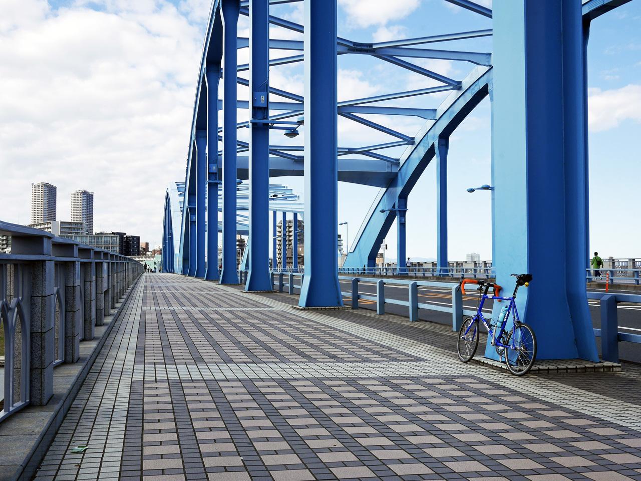 丸子橋で多摩川を渡って川崎市へ突入