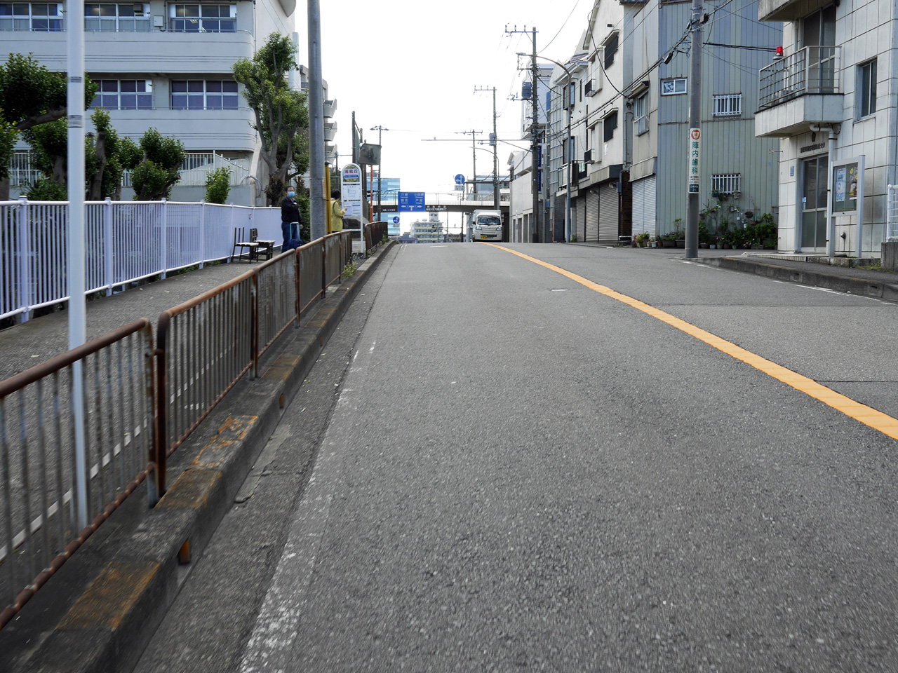 入江町で国道1号へ出る
