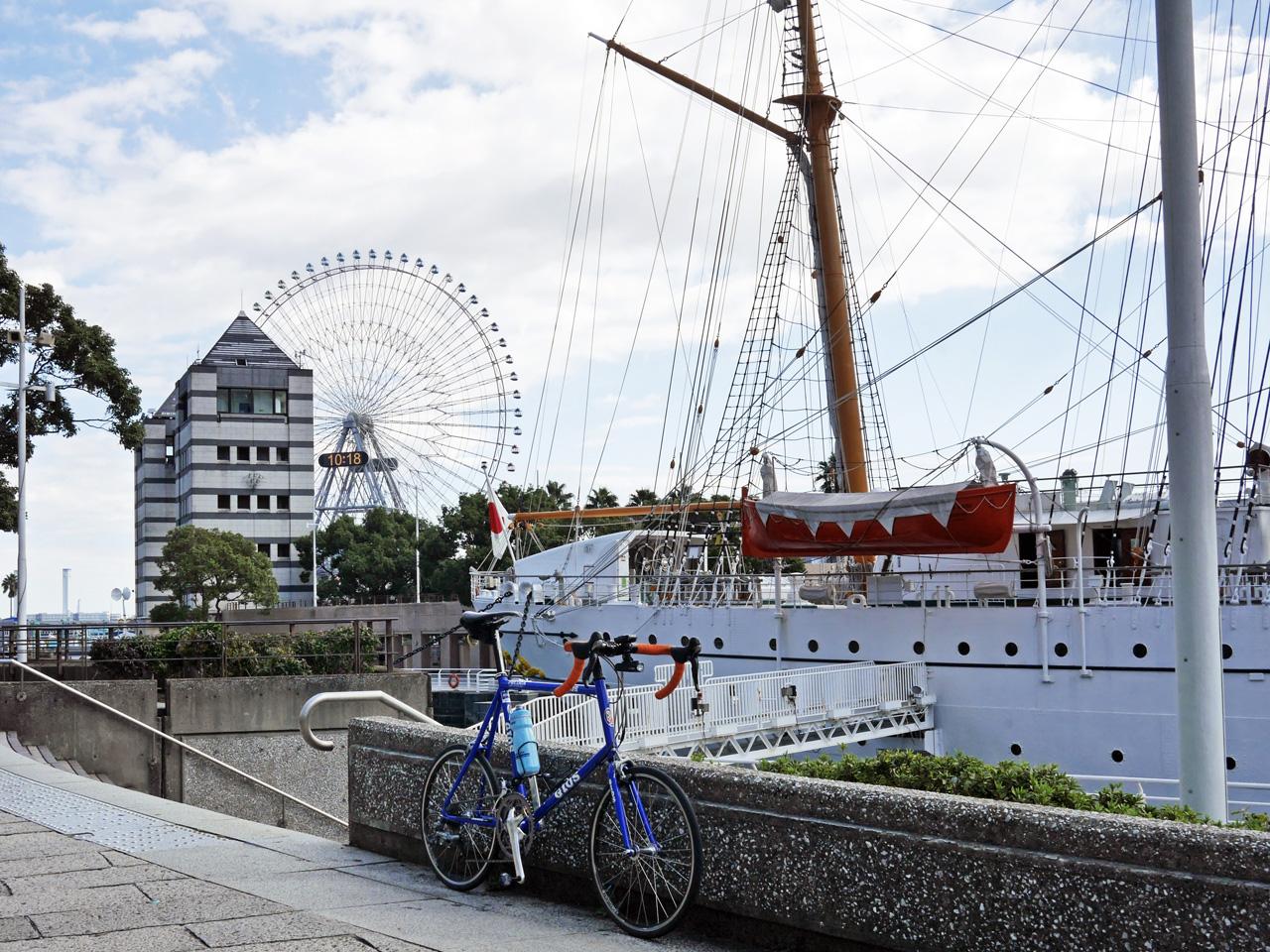 帆船日本丸と GIOS FELUCA