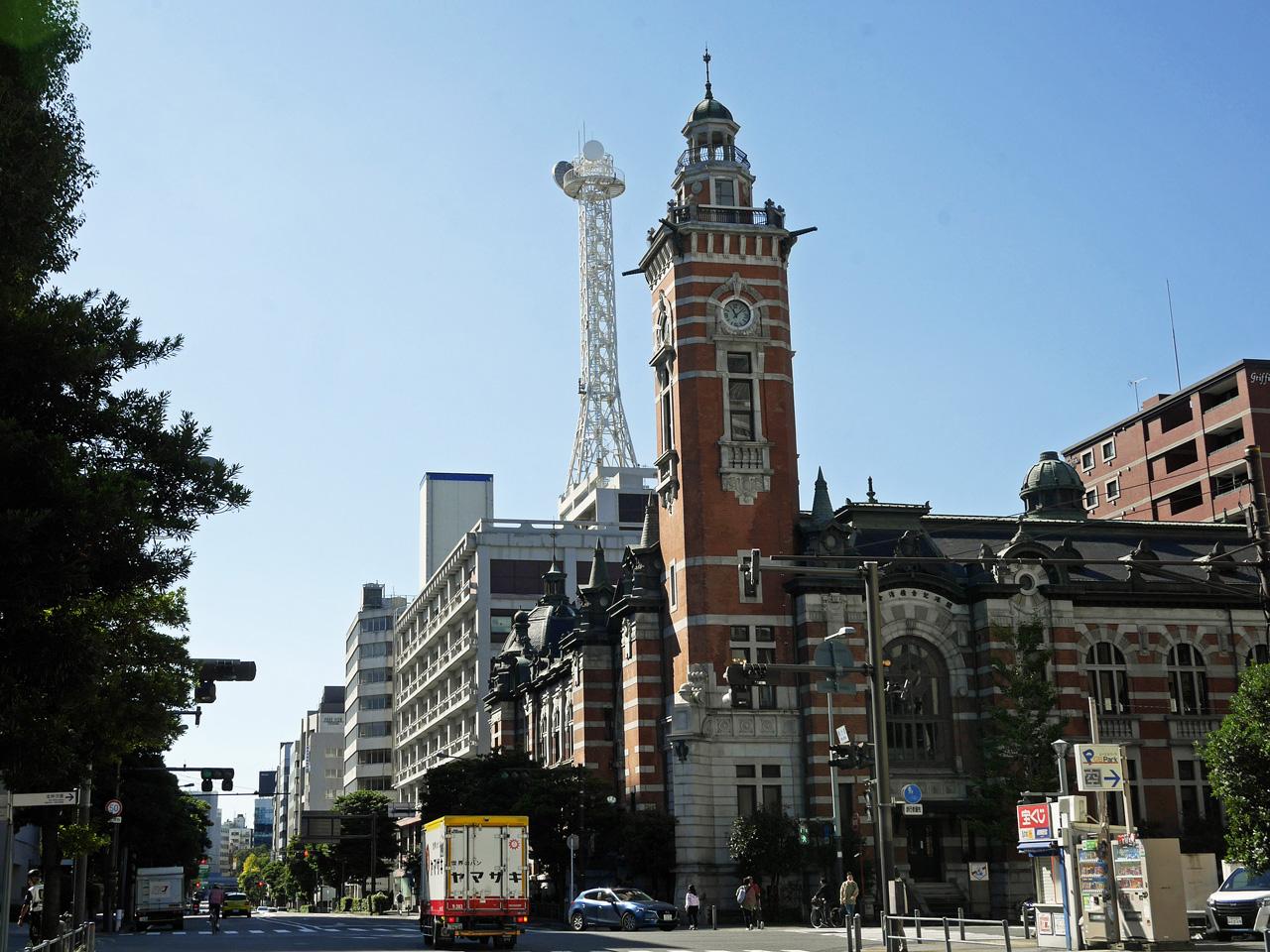 横浜市開港記念会館(ジャック)前を通過
