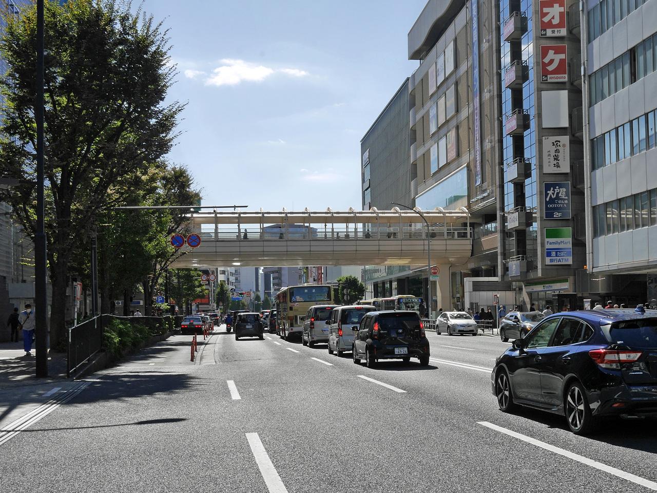 上大岡駅前は渋滞中