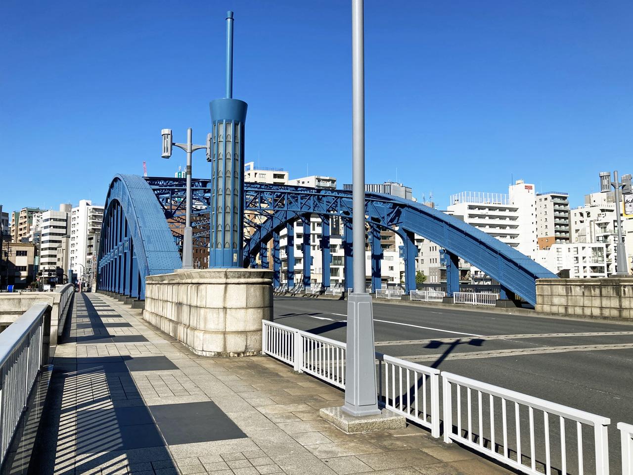 駒形橋を渡って浅草へ戻る
