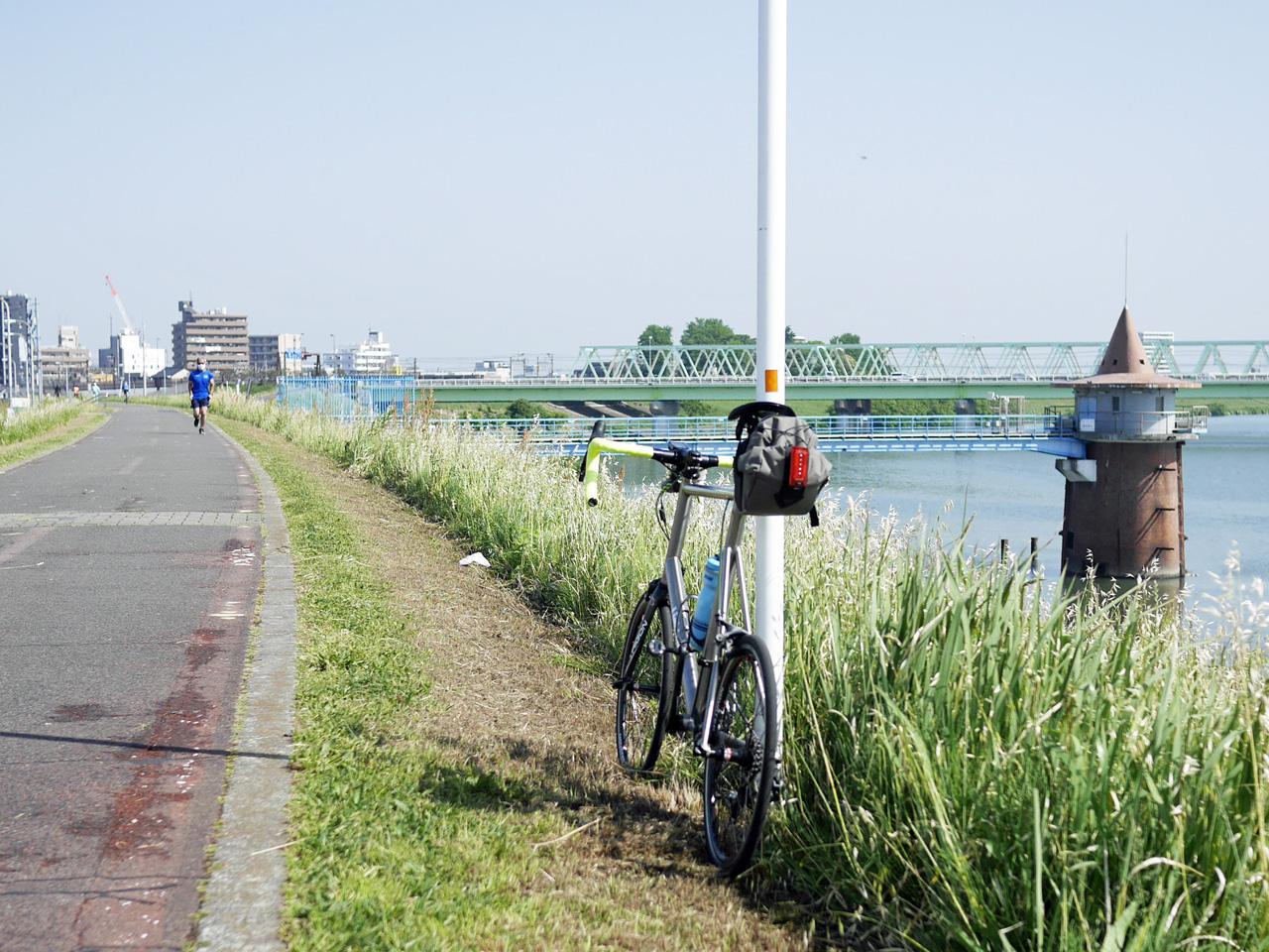 金町浄水場の取水塔とLIGHTCYCLE Ti451