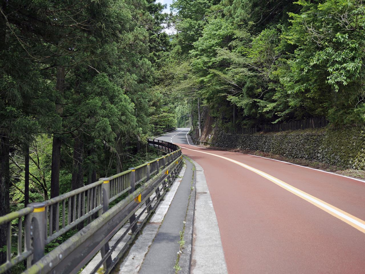 檜原街道で東京南端の境界を進む