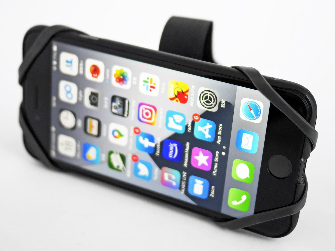 RIXEN&KAUL PHONEPAD LOOP に iPhone SE2 を装着