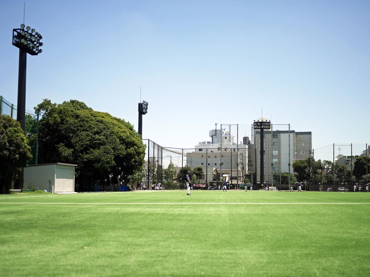哲学堂公園の野球場