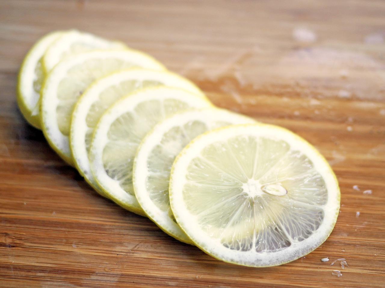 黒糖クラフトコーラに使用するレモン