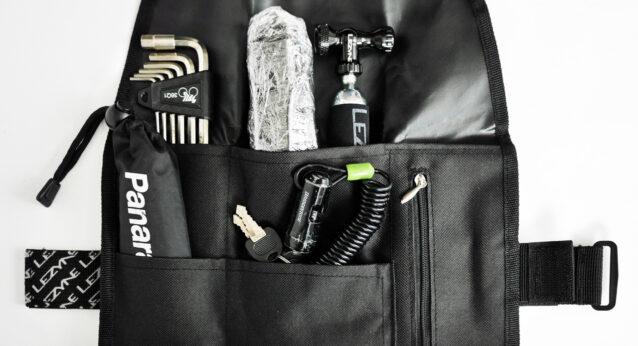 LEZYNE ROLL CADDY サドルバッグにツールを収納