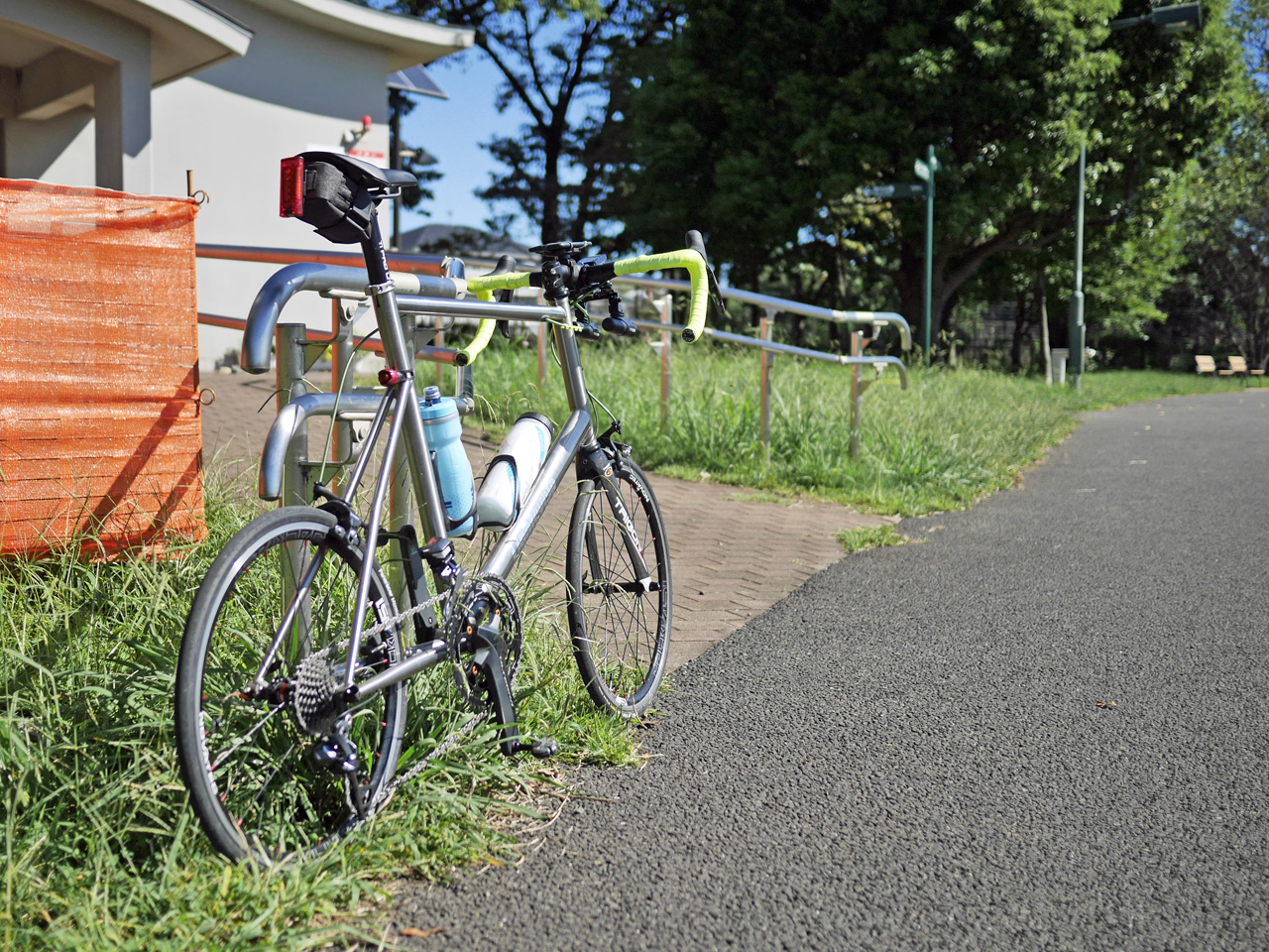 武蔵野の森公園でスタートを待つLIGHTCYCLE Ti451