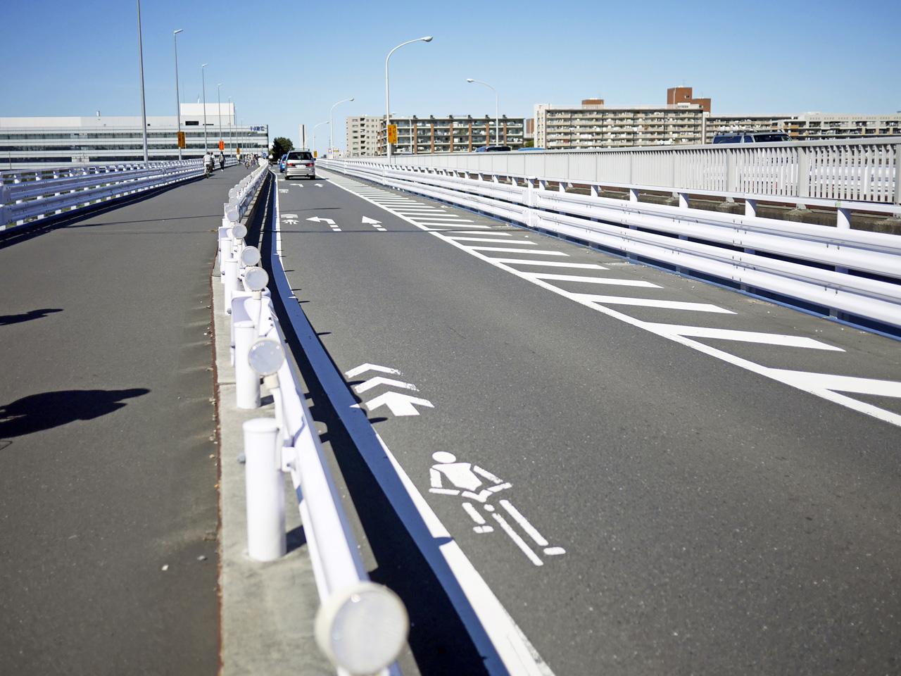 関戸橋で多摩川を渡河して北上